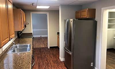 Kitchen, 81 Winthrop St, 1