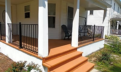 Patio / Deck, 404 7th Ave, 2
