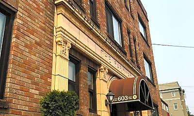 Building, 603 12th Ave E, 1