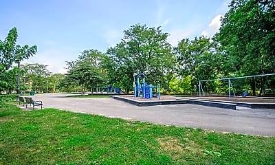 Playground, 3008 W Ainslie St 3N, 2