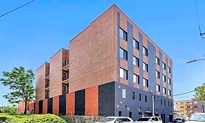 Building, 725 Sip St 302, 2
