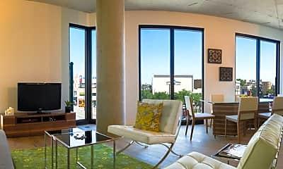 Living Room, 1104 N Marshfield Ave, 1