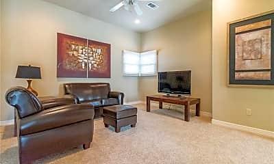 Living Room, 2633 S Everest Ave, 2