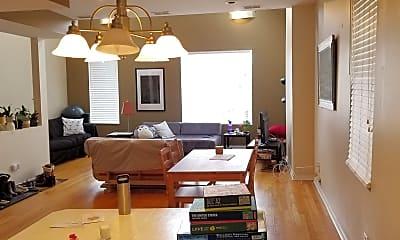 Living Room, 1335 N Wolcott Ave 2F, 1