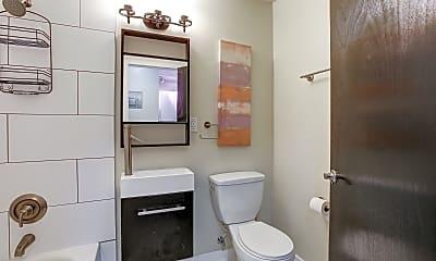 Bathroom, Flats On Frankfort Apartments, 2
