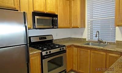 Kitchen, 905 Doubles Dr, 1