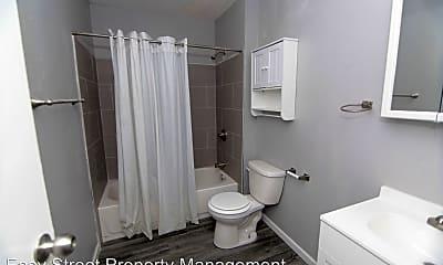 Bathroom, 825 Devils Glen Rd, 2