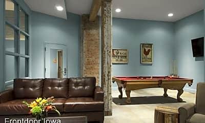 Living Room, 427 Pershing Ave. Market Lofts, 1