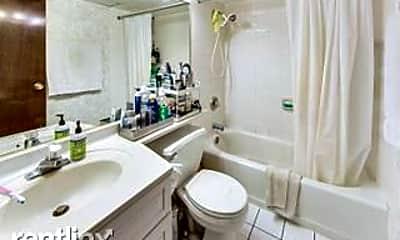 Bathroom, 3853 N Parkway Dr, 2