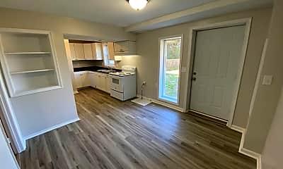 Living Room, 319 Greenhouse Rd, 1