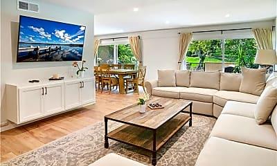 Living Room, 2112 Vista Dorado, 1