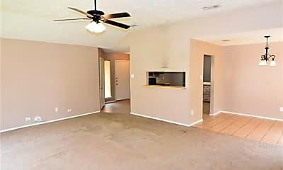 Living Room, 7211 Sunlight Ln, 1