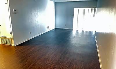 Living Room, 333 Joel Blvd 237, 2