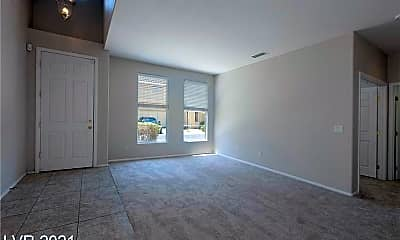 Living Room, 8109 Retriever Ave, 1