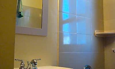 Bathroom, 575 Hyde Park Ave, 0