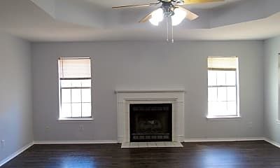 Living Room, 7499 Northpointe Blvd, 1