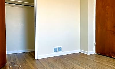 Bedroom, 511 Girard Blvd SE, 2