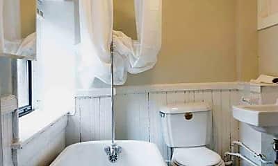 Bathroom, 147 Charles St, 2