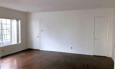 Living Room, 3419 Club Dr, 1