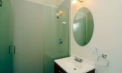 Bathroom, 2146 W Division St, 2