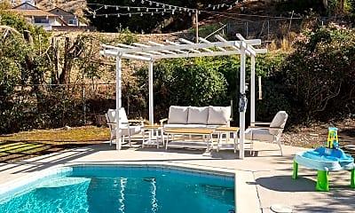 Pool, 926 Groton Dr, 1