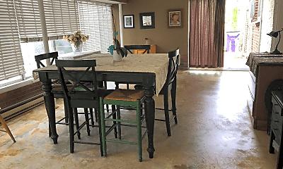 Dining Room, 453 Pontiac St, 2