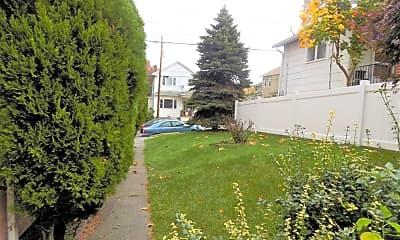 Patio / Deck, 408 W Grove St, 2