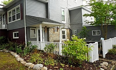 Building, 823 Ontario St, 1
