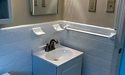 Bathroom, 207 Dawson Ave, 2