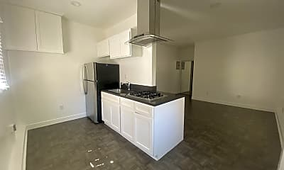 Kitchen, 318 S Commonwealth Ave, 1