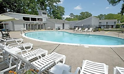 Pool, Willow Oaks Townhomes, 0