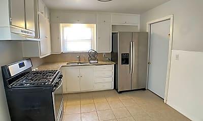 Kitchen, 307 McKnight Dr, 1
