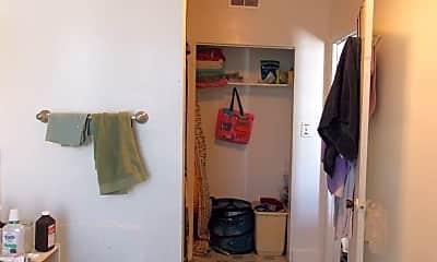 Bathroom, 2109 St Paul St, 2