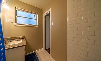 Bathroom, Room for Rent - Live in Central Southwest, 2