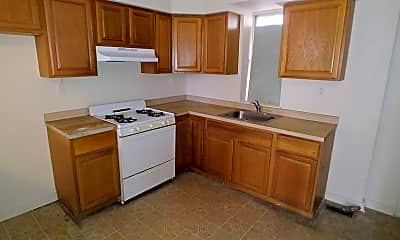 Kitchen, 2631 Earp St, 2
