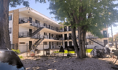 Building, 1600 Geneva St, 1
