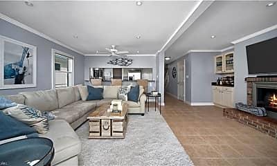 Living Room, 4424 Lee Ct, 0