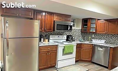 Kitchen, 25 Baldwin Ave, 1