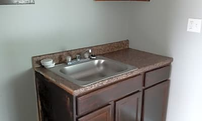 Bathroom, 10411 Cadieux Rd, 1