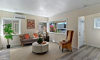 Living Room, 5718 Linden Ave, 1