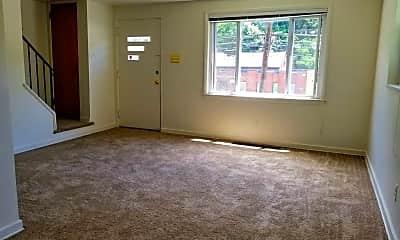 Living Room, 538 Long Rd, 1