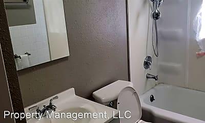Bathroom, 614 W Sycamore St, 1