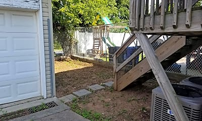 Patio / Deck, 39 Poplar Ave B, 2