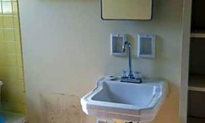 Bathroom, 1410 Selkirk Rd, 2