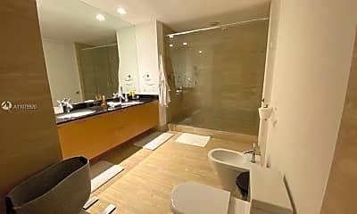 Bathroom, 15811 Collins Ave 2805, 2