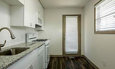 Kitchen, 921 Myrtle St NE, 2