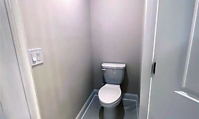 Bathroom, 1315 Rosen Rd, 2