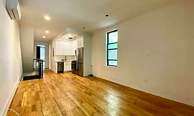 Living Room, 223 Richmond St, 1