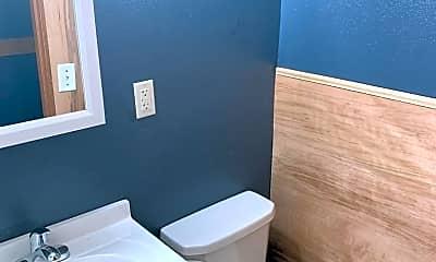 Bathroom, 1304 Clay St, 2