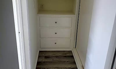 Bathroom, 4122 W 2nd St, 2